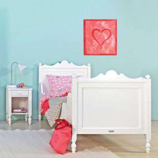 Bopita Belle Bed a beautiful full-sized children's bed fit for any little princess, whatever her age. Bed features gentle curves, turned legs