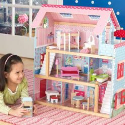 Kidkraft Chelsea Dolls Cottage by Kidkraft is beautifully finished in great detail and is laid out over three levels, with internal staircases and a balcony.