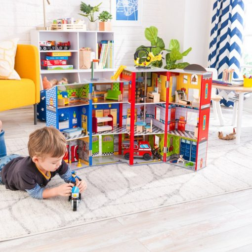 Every day heroes wooden playset including accessories