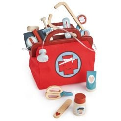 ender Leaf Toys Doctors Bag is a fabulous retro styled doctors bag, full of all the essentials for treating poorly patients or Teddies!